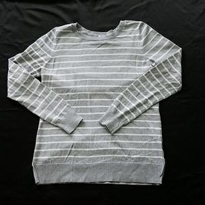 Old Navy Long Sleeve Stripped Sweater